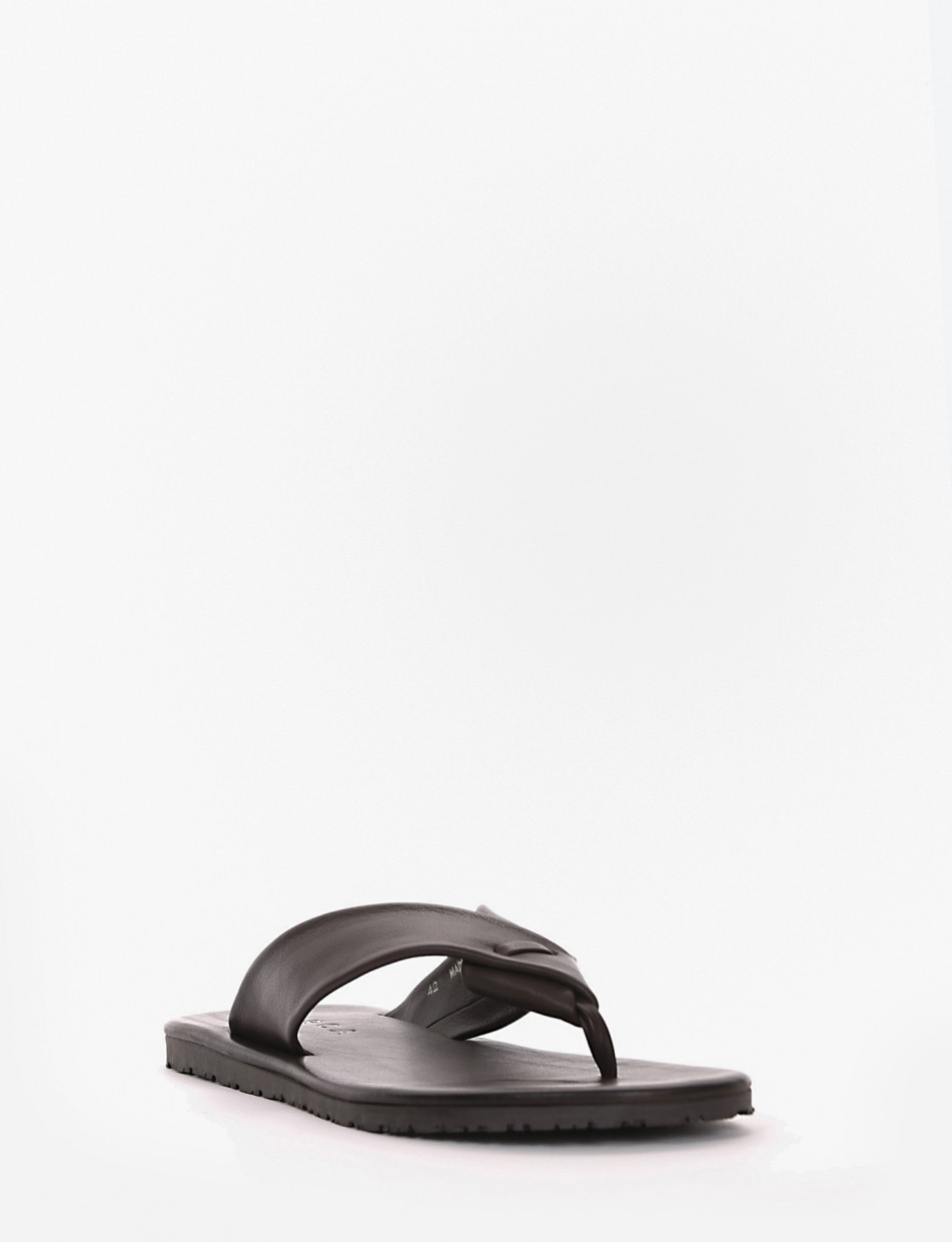 Slippers dark brown leather