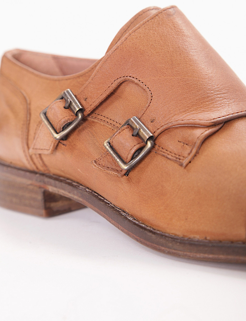 Lace-up shoes leather