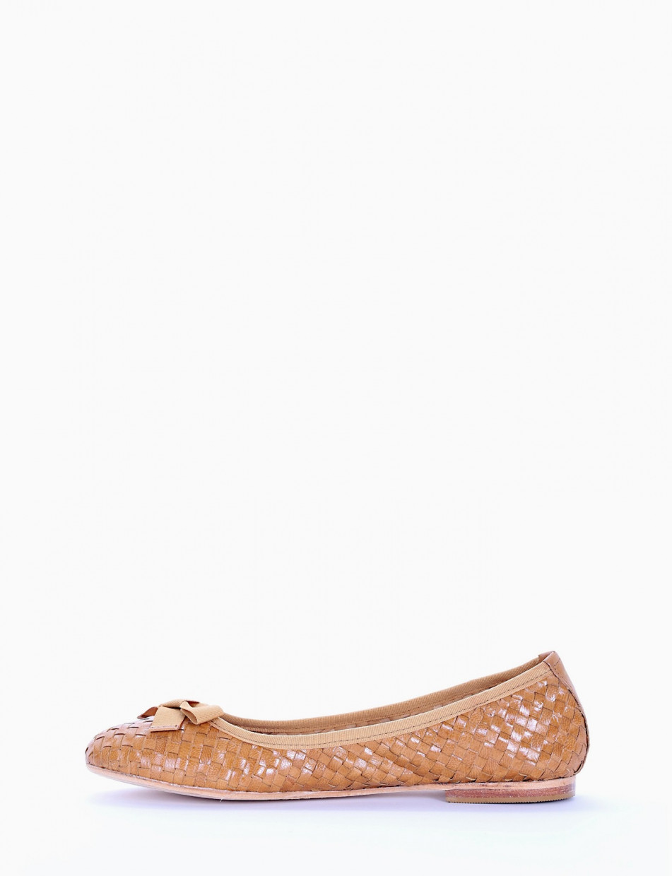 Flat shoes yellow leather