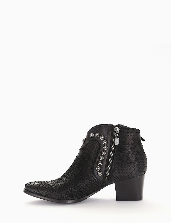 High heel ankle boots heel 5 cm black