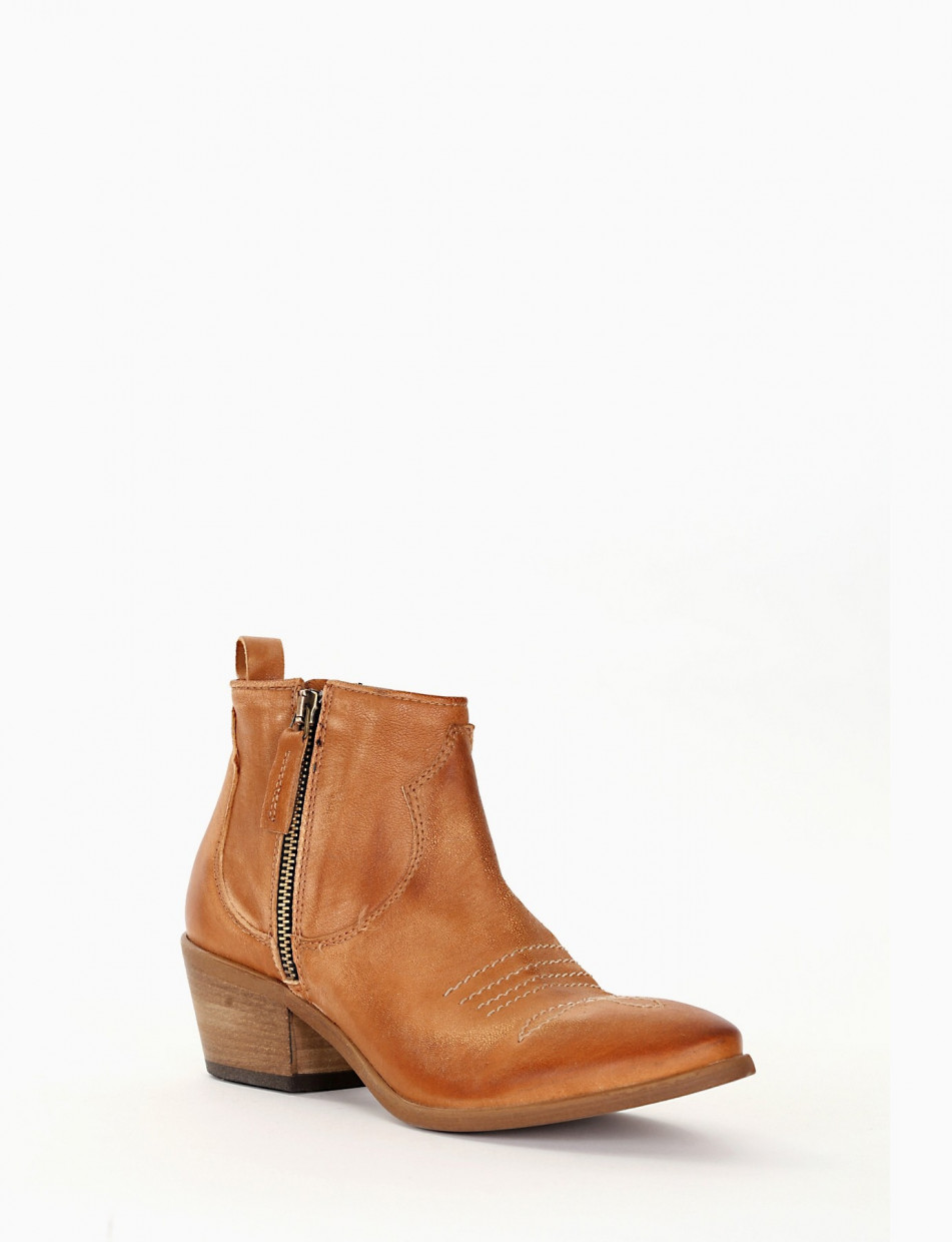 High heel ankle boots heel 5 cm brown leather