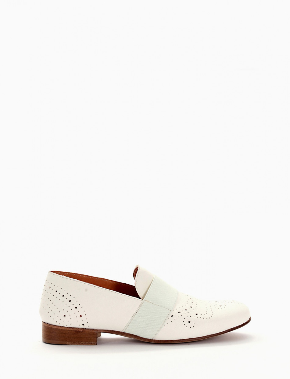 Lace-up shoes white leather