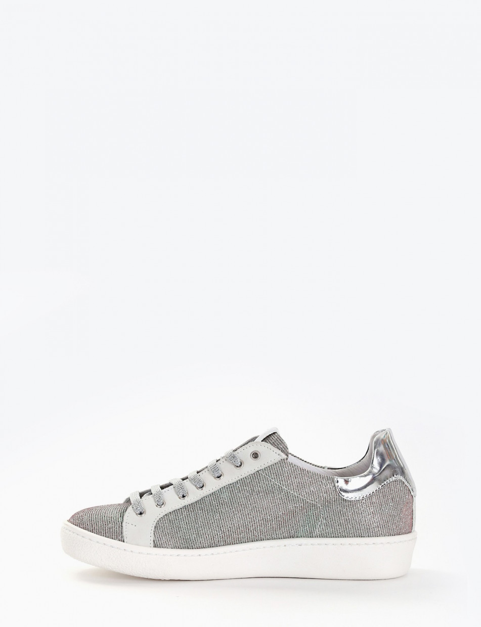 Sneakers white canvas