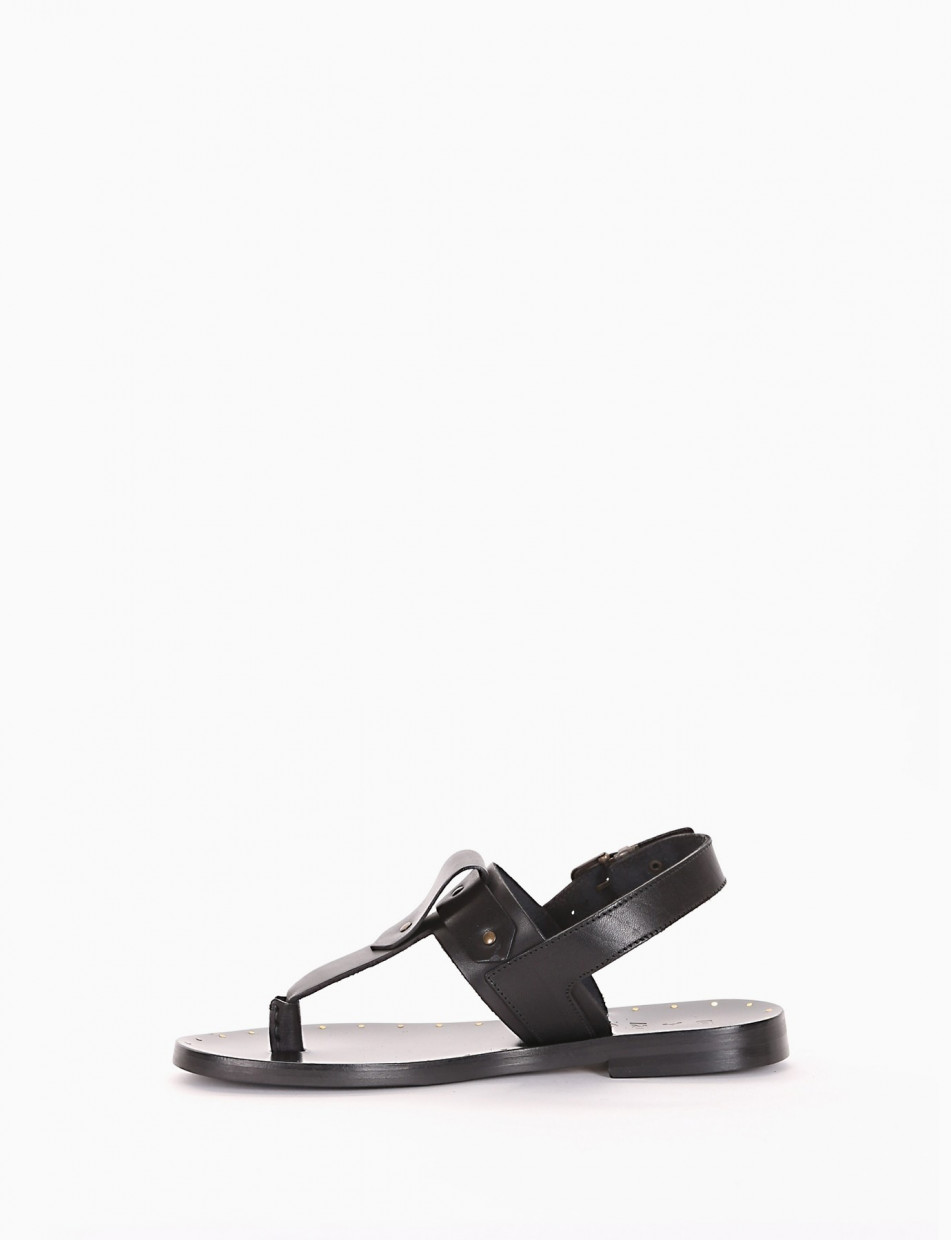 Flip flops black leather