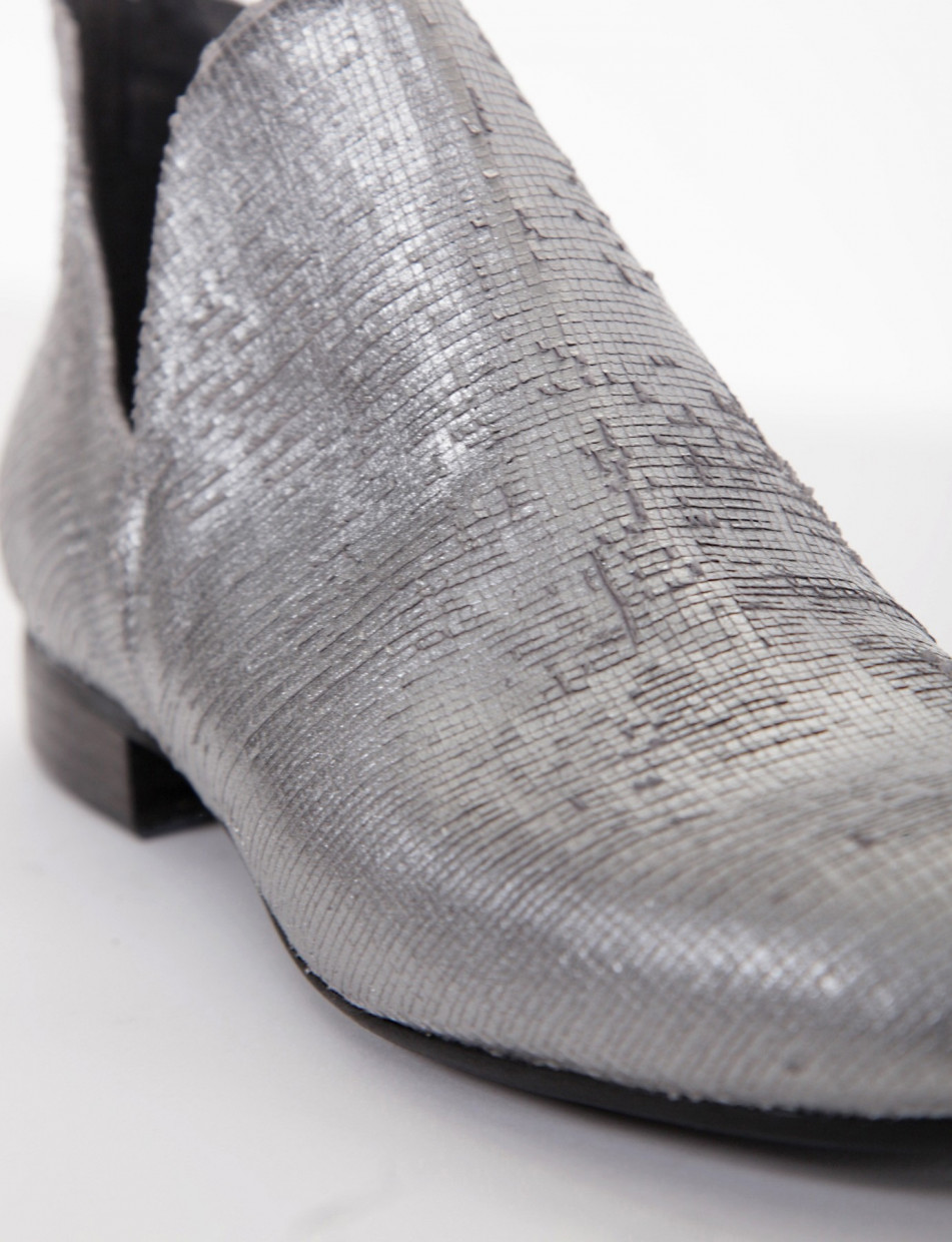 Low heel ankle boots heel 2 cm silver leather