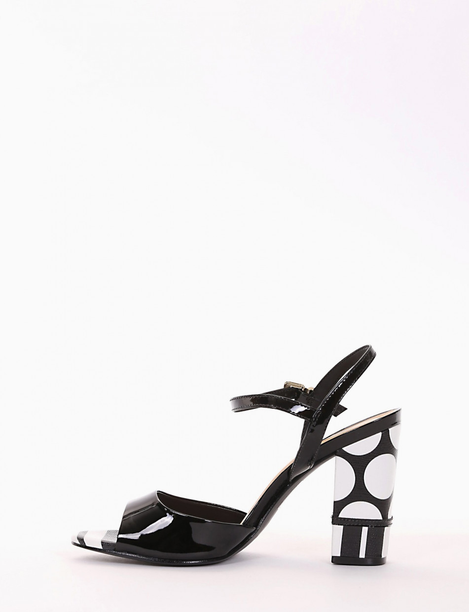 High heel sandals heel 10 cm black varnish
