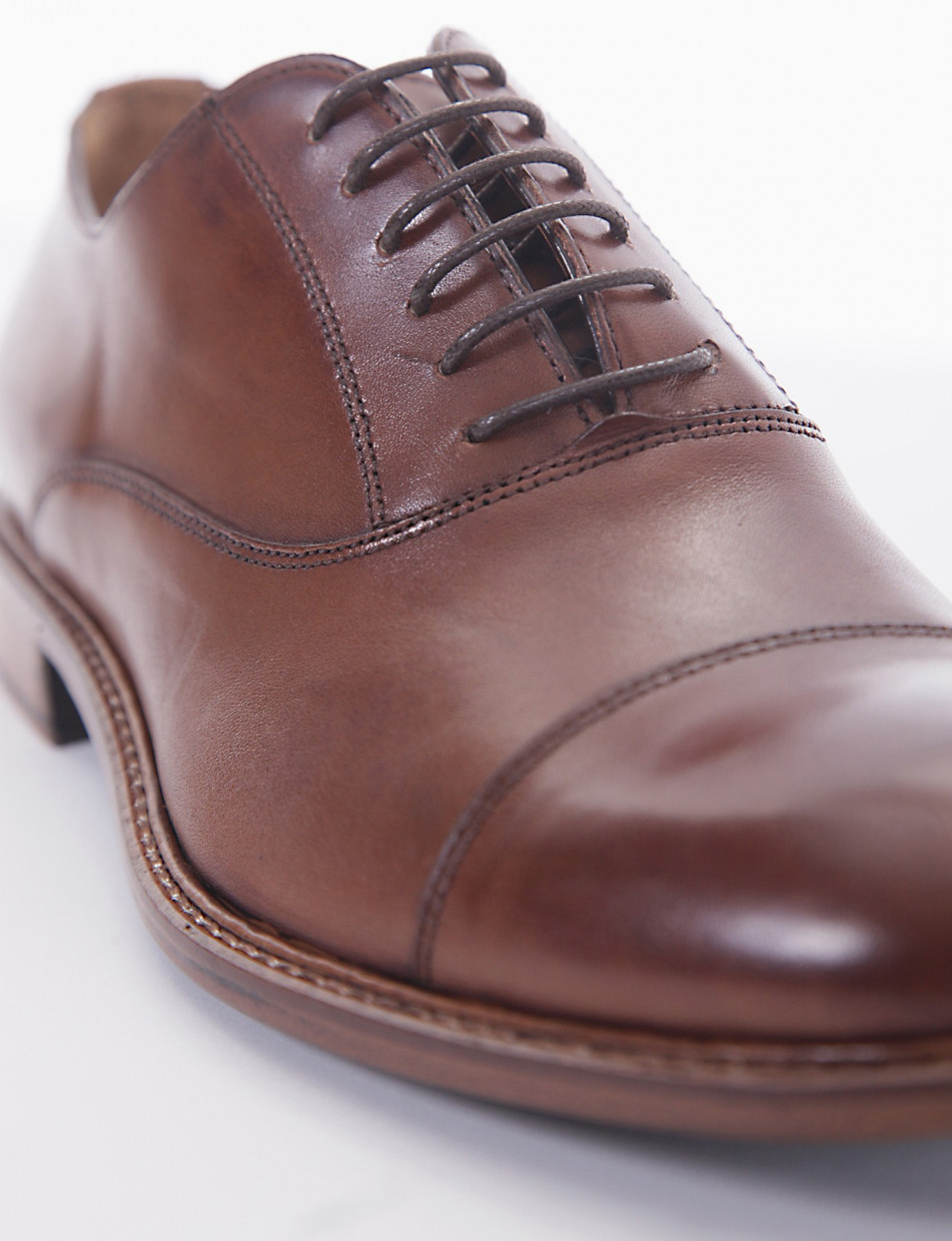 Lace-up shoes brown leather