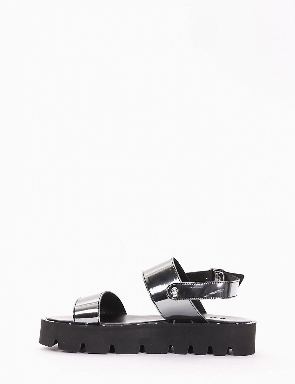 Low heel sandals heel 2 cm silver laminated