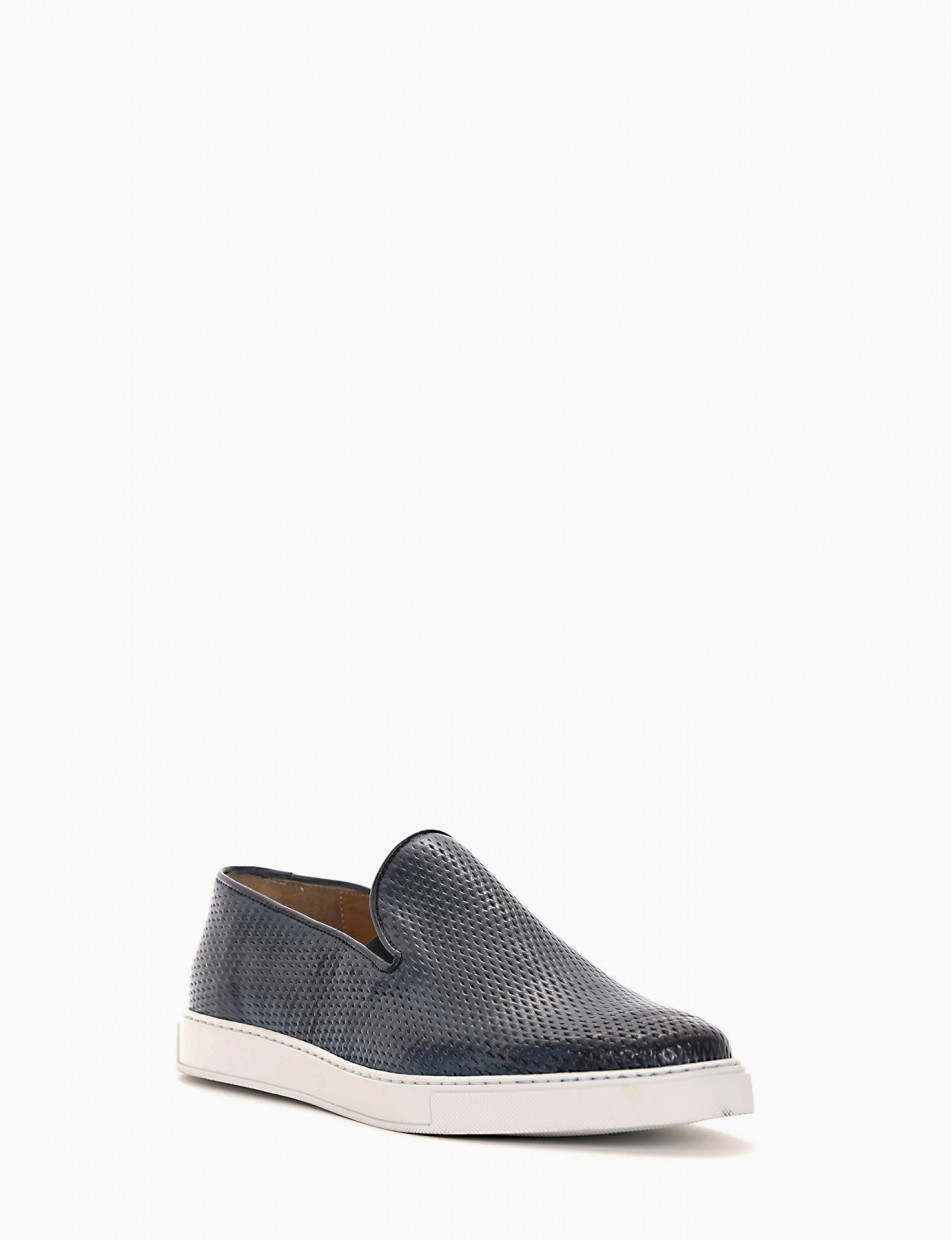 Sneakers light blue leather