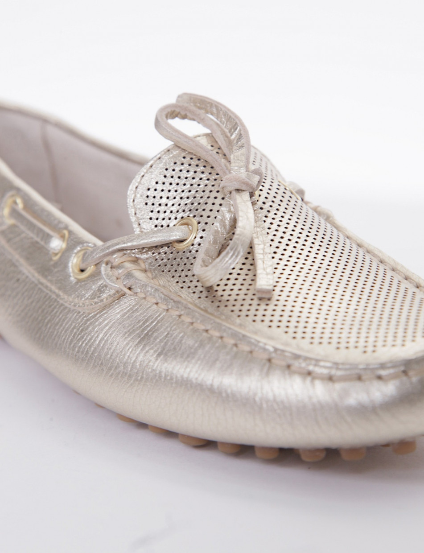 Car shoes forato