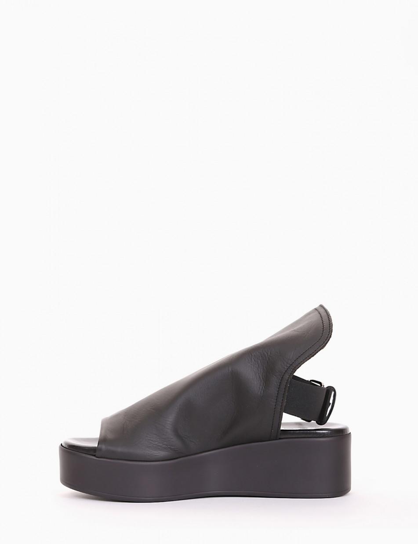 Wedge heels heel 4cm black leather