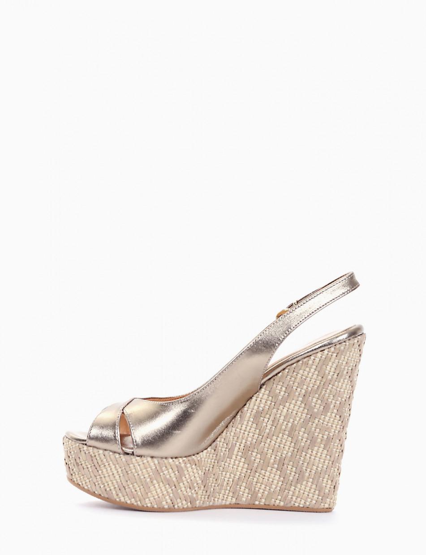 Wedge heels heel 13 cm platinum leather