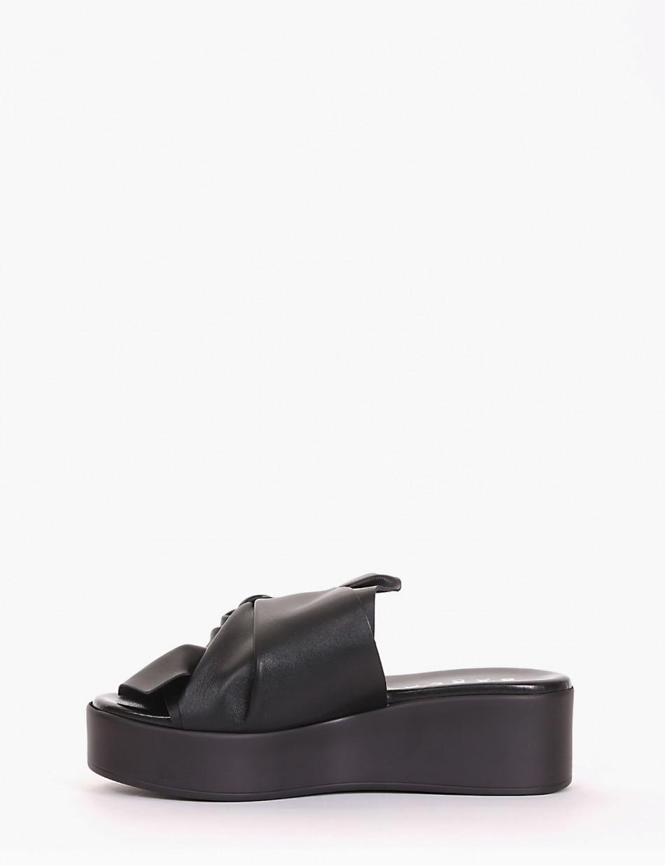 Slippers heel 4 cm black leather