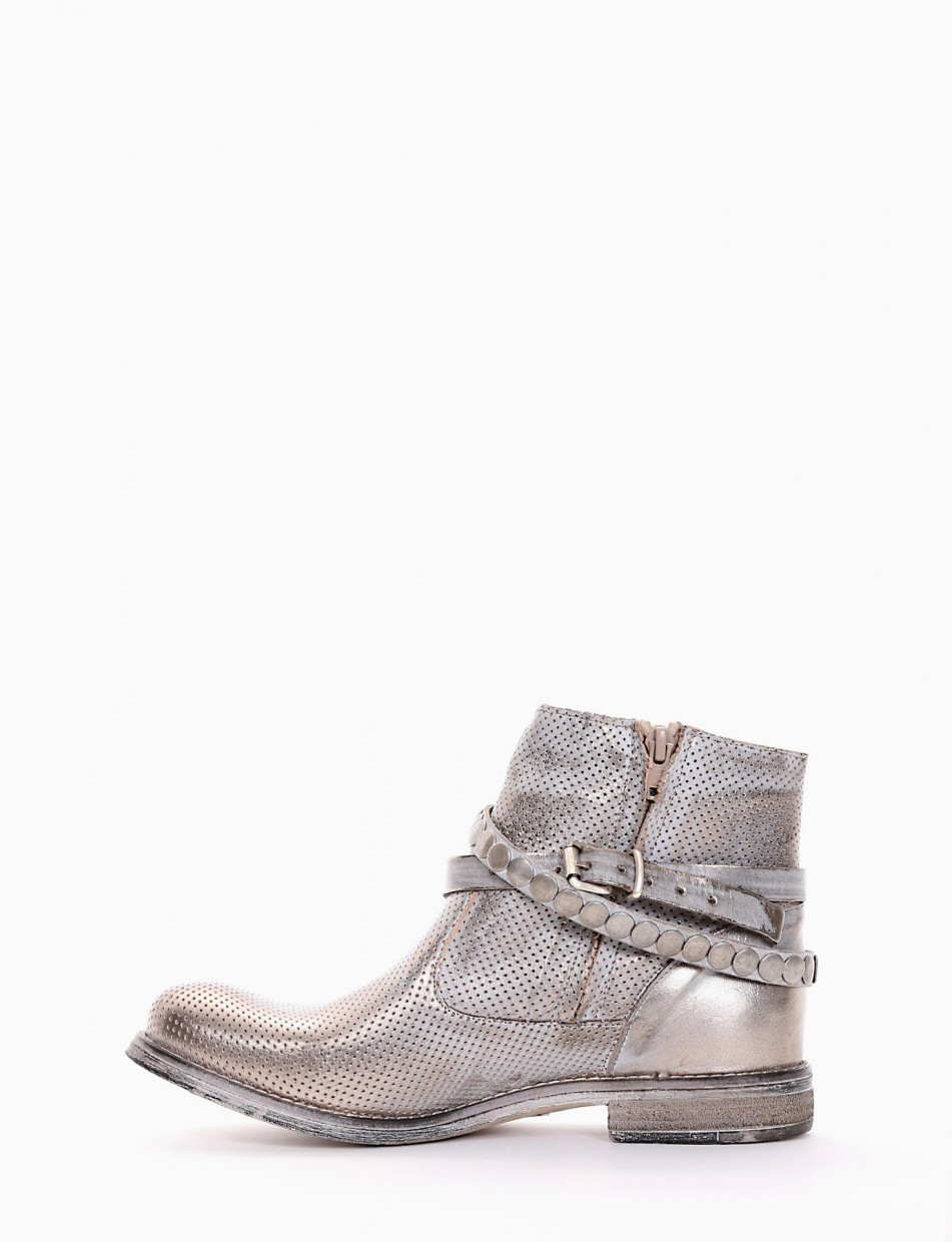 Low heel ankle boots heel 2 cm gold leather