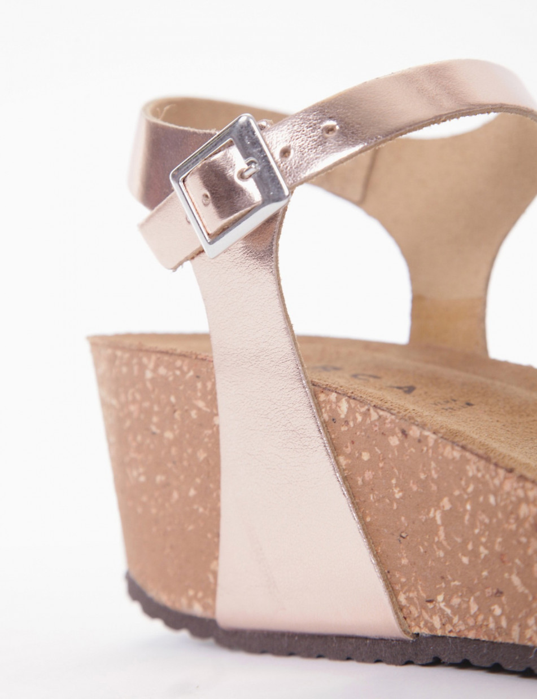 Wedge heels heel 5 cm pink laminated