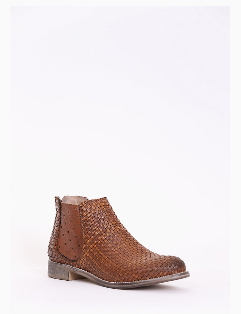 Low heel ankle boots heel 2 cm leather