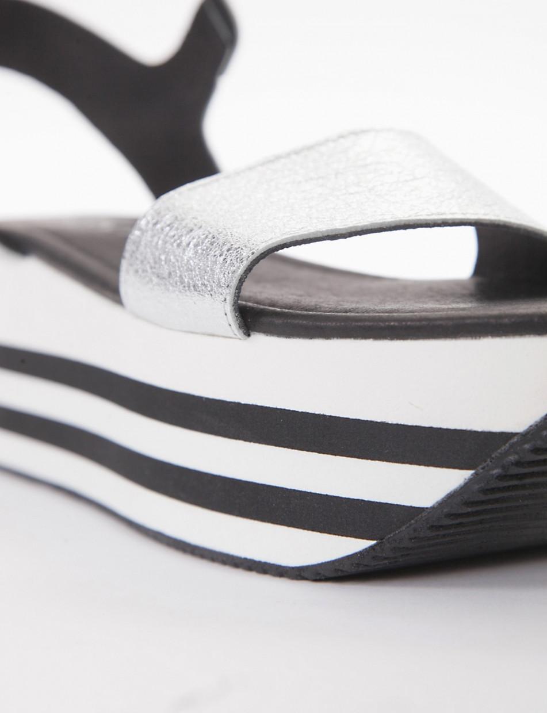 Wedge heels heel 5 cm silver leather