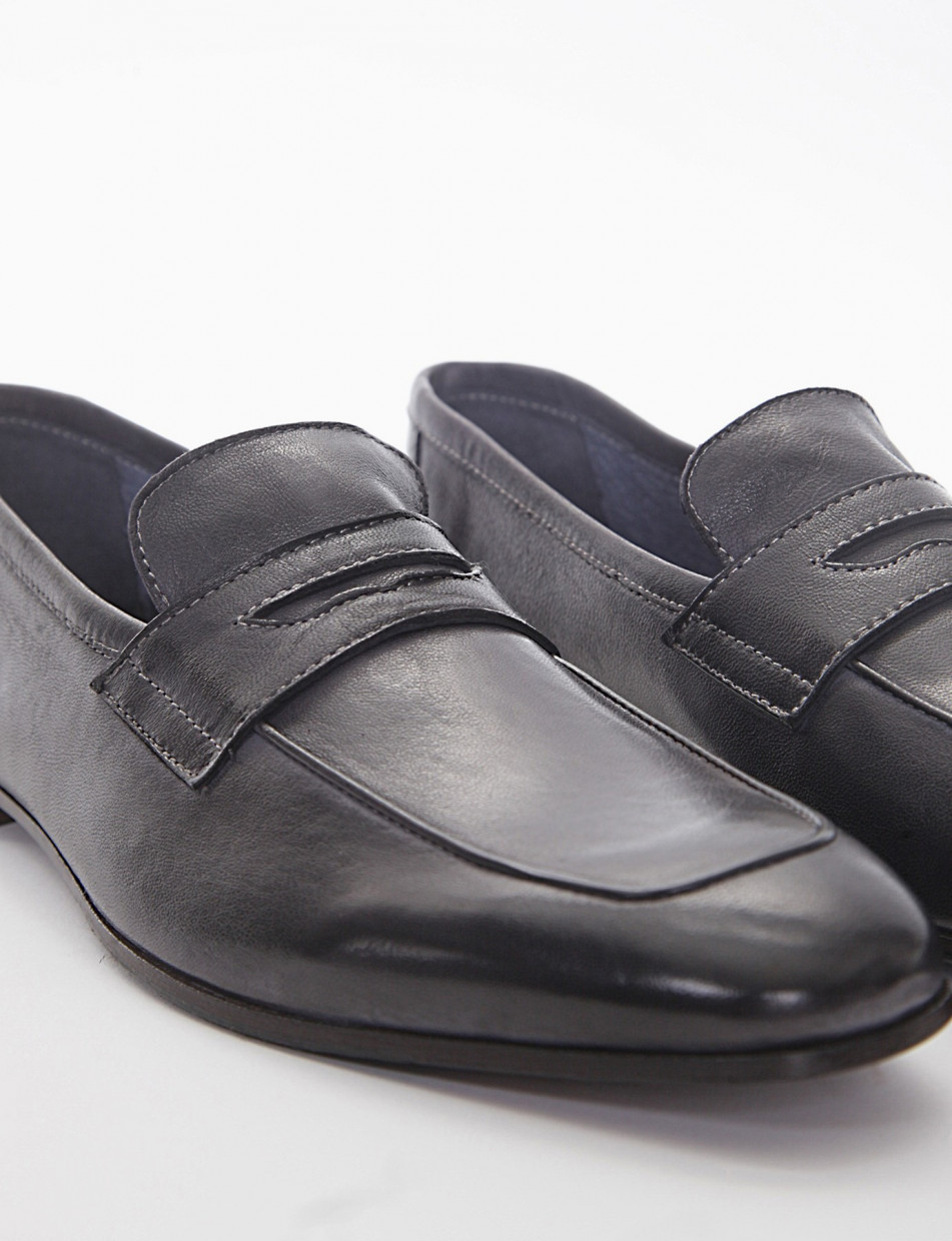 Loafers heel 2cm grey leather
