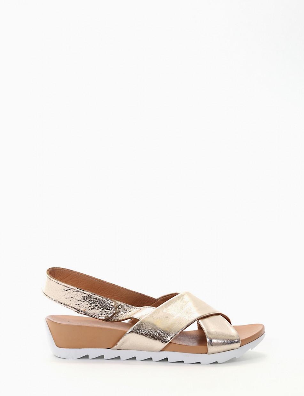 Wedge heels heel 3 cm gold leather