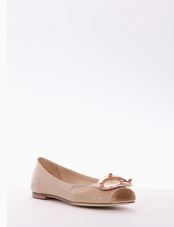 Flat shoes pink varnish