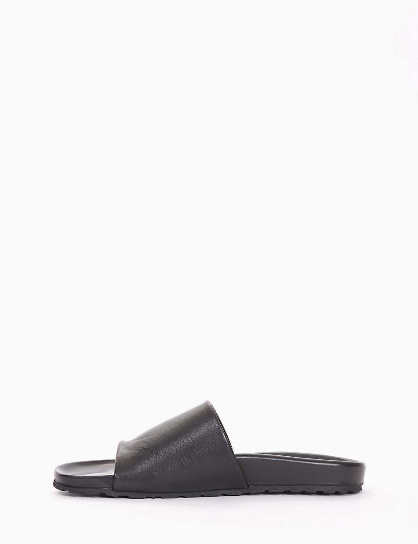 Slippers heel 1 cm black leather